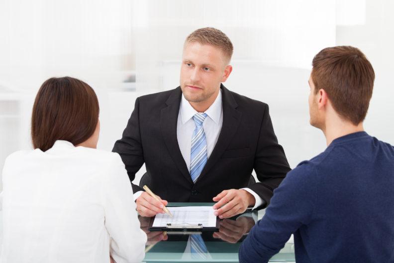 Какие специализации у юристов в юридическом центре бывают