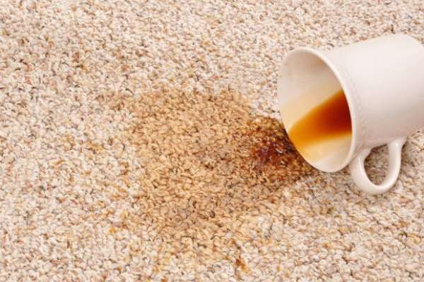 5 простых и эффективных средств по удалению пятен на ковре
