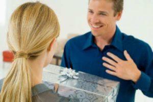Необычные подарки на 23 февраля: оригинальные идеи для мужа, сына, папы