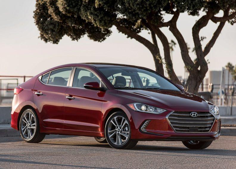 Hyundai Elantra — обзор стильного автомобиля