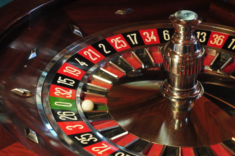 """Игровые автоматы — """"Рулетка"""" азартная игра с королевским размахом"""