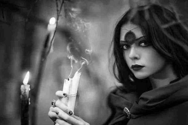 Заговор на любовь, подклад и другие… Опасные ведьмовские ритуалы