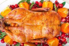Как приготовить утку в духовке, чтобы была мягкой и сочной?