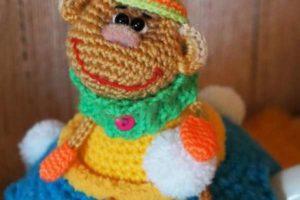 Вяжем крючком обезьянку — позитивную мартышку (елочная игрушка, брелок, магнит) / Вязание игрушек