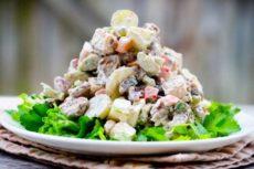Простые и вкусные салаты на Новый год
