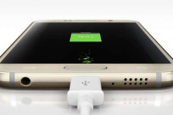 Заряжать телефон другой зарядкой — можно или нет?