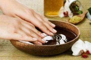 Укрепляющие ванночки для роста ногтей: с солью, содой, лимоном