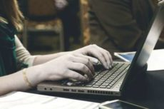 Как заработать на наборе текста в интернете сидя дома и попивая кофеек!