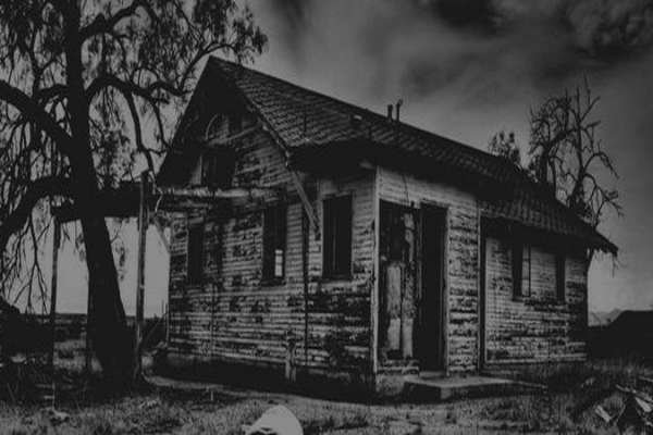 Мистика старых домов. Какие тайны хранят стены?