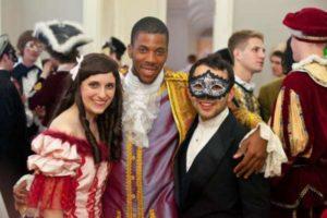 Пушкинский бал: прически, костюмы, музыка, сценарий