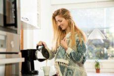 Кофейку? Как бодрящий напиток влияет на организм