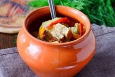 10 вкуснейших блюд в горшочках