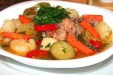 Как приготовить овощное рагу с мясом