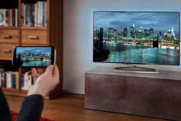 Как подключить смартфон к телевизору через Wi-Fi, HDMI, USB