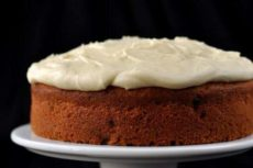 Глазурь для торта глянцевая: как самостоятельно приготовить?