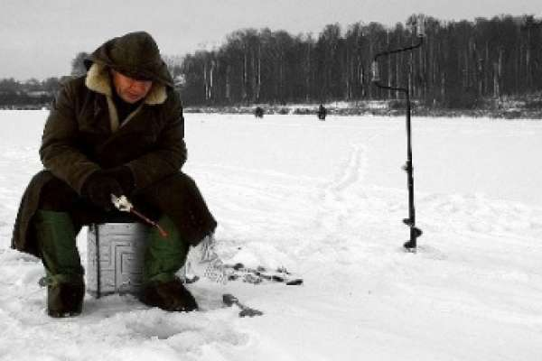 Как ловить рыбу на зимней рыбалке
