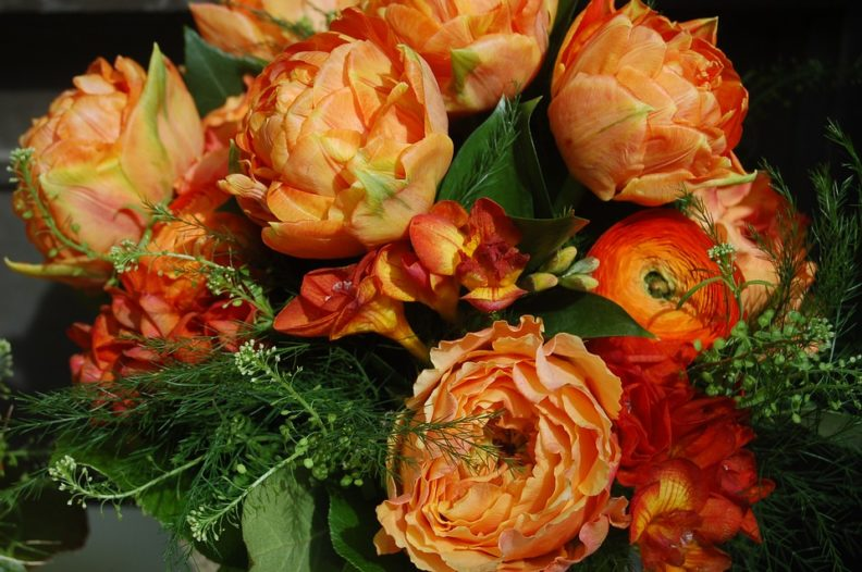 Дарите тепло и хорошие эмоции близким с цветочной доставкой