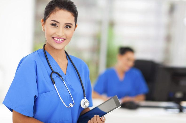 Сколько получают медсестры в Москве: зарплата и бонусы